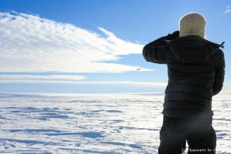 Après 73 jours, 15 heures et 35 minutes, nous venons de traverser l'Antarctique en ski. Un Twin Otter vient nous récupérer sur la côte quelques heures plus tard. La base Union Glacier a été démontée et nous sommes attendus pour le dernier vol vers le Chili.